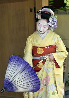 "geisha-kai:  ""May 2015: maiko Toshimomo with sun parasol (SOURCE)  """
