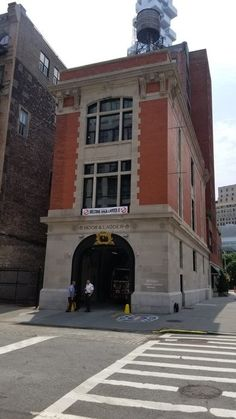 Discover Ghostbusters Firehouse in New York, New York: Don't get slimed in Tribeca. Ghostbusters Pictures, Ghostbusters Firehouse, The Real Ghostbusters, Back To The Future Tattoo, Die Geisterjäger, Places Worth Visiting, 1 Tattoo, Fire Dept, Fire Department