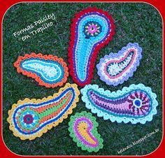 """ Formas Paisley"" em Trapilho (Rag Crochet)"