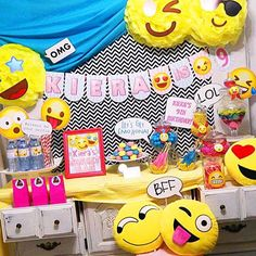 Omg! How so cute those Emoji's birthday party is. ❤️❤️❤️❤️ Check out all these…