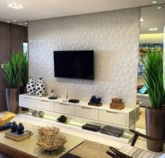 43 Amazing TV Wall Decor Ideas for Living Room Living Room Tv Unit, Cozy Living Rooms, Apartment Living, Living Room Decor, Coastal Living, Tv Wall Decor, Wall Tv, Muebles Living, Home And Deco