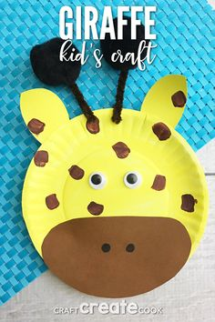 April the Giraffe Inspired Paper Plate Craft - Animal Crafts Jungle Crafts, Giraffe Crafts, Animal Crafts For Kids, Fun Crafts For Kids, Toddler Crafts, Art For Kids, Safari Crafts, Dinosaur Crafts, Ocean Crafts