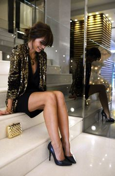 4. Sequin Blazer With Classic Pumps 2017 Street Style