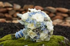 blue bouquet, bridesmaids--like the wrapped stems but no seeds