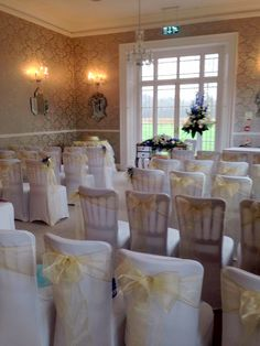 Easyclose Country Hotel Ceremony Room Flowers By Poppies Florist Bournemouth And Christchurch