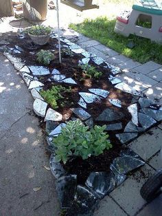 Granite scraps to decorate in the garden