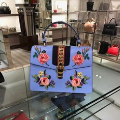 Handbags - I think they were my first fashion love (and if I had design skills, I would love to beco Luxury Purses, Luxury Bags, Luxury Handbags, Fashion Handbags, Purses And Handbags, Fashion Bags, Style Fashion, Gucci Fashion, Ootd Fashion