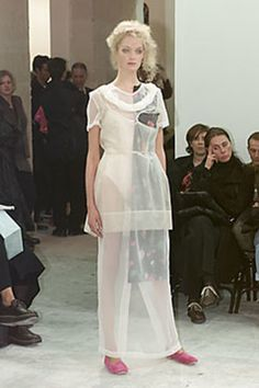 Comme des Garçons Spring 2000 Ready-to-Wear Collection - Vogue