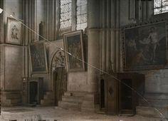 Intérieur de la cathédrale Notre-Dame de Reims, transept droit  Description :  Porte en mauvais état ; Titre série : Autochromes de la guerre 1914-1918, département de la Marne  Auteur :  Castelnau Paul (1880-1944)Opérateur de l'armée