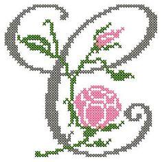 motif-Point de croix-Abc Rose anglaise-C Cross Stitch Alphabet Patterns, Cross Stitch Letters, Cross Stitch Fabric, Cross Stitch Borders, Cross Stitch Designs, Cross Stitching, Cross Stitch Embroidery, Stitch Patterns, Loom Patterns