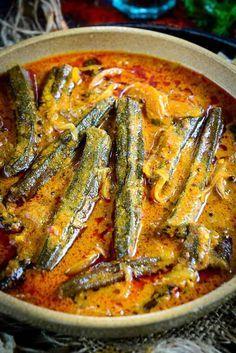 Close up shot of bhindi ka salan recipe. Close up shot of bhindi ka salan recipe. Spicy Dishes, Veg Dishes, Indian Veg Recipes, Asian Recipes, Healthy Indian Recipes Vegetarian, Healthy Okra Recipes, Vegetarian Cooking, Healthy Food, Veg Curry