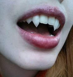 Cheap & Easy DIY Fangs