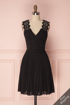 Cirilia #boutique1861 #dress #summerdress #lace #black #aline #littleblackdress ##summer