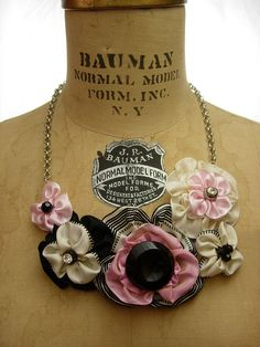 Ribbon flowers necklace