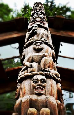 One of the most beautiful places on earth, Vancouver BC. Some of our favourite photos that express the Casually Opulent lifestyle people enjoy in this city. Totems, Pole Art, Canadian Art, Native Canadian, Native American Artwork, Haida Art, Tlingit, Its A Mans World, Indigenous Art