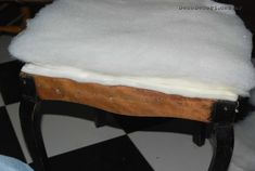 Silla francesa antes y después Vanity Bench, Projects, Furniture, Blog, Home Decor, Chair Repair, Chair Backs, Chair Covers, Upholstered Chairs