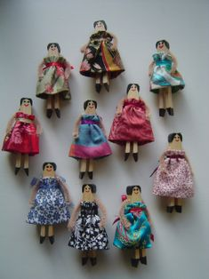 Dolly Peg DollPeg doll brooches-These little clothespin dolls stand just 6cm high