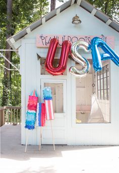 This post is sponsored by ASTROBRIGHTS® Papers. It's hard to believe the Fourth is almost here; to celebrate, we made these festive firecrackers to hold at a … 4th Of July Parade, 4th Of July Celebration, Fourth Of July, Birthday Fireworks, Playhouse Decor, Independance Day, Happy Birthday America, July Baby, Home Of The Brave