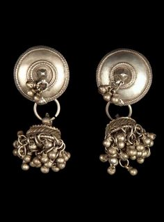 India - Gujarat, Baroda, Kavat | Pair of earrings ~ silver ~ worn by Bhil women. // ©Quai Branly Museum. 71.1971.53.249.1-2