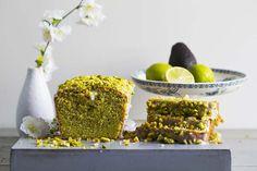 Avokadokake med lime og pistasjenøtter – Aichas Mat