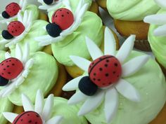 Fondant flowers and lady bugs Bug Cupcakes, Sandwich Shops, Fondant Flowers, No Bake Treats, Deli, Baked Goods, Sandwiches, Bakery, Artisan