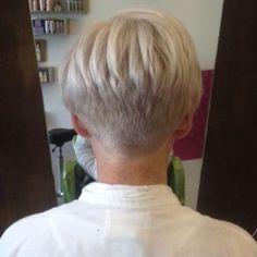 Cool back view undercut pixie haircut hairstyle ideas 31