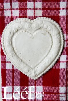 Rooi&Wit/ Red&White Foto: Hanneri de Wet www.leef.co.za Afrikaans, Pie Dish, Red And White, Valentines, Dishes, Desserts, Hearts, Quotes, Valantine Day