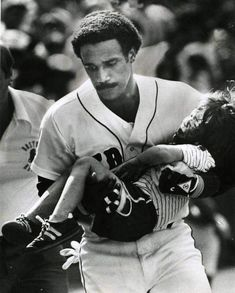 Jim Rice carries a child into the Red Sox dugout after the boy was struck by a foul ball during a game at Fenway Park. (Photo by Ted Gartland / Boston Red Sox) Red Sox Baseball, Baseball Socks, Baseball Players, Baseball Classic, Baseball Stuff, Baseball Dugout, Baseball Pictures, Football, Boston Sports