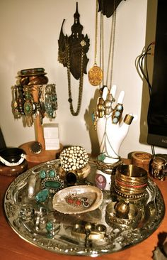 The gypsy's jewelry stand.... this all would be in my dream room