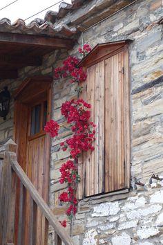 Old Village Nikiti, Sithonia, Halkidiki Halkidiki Greece, Thessaloniki, Ladder Decor, Eye Candy, Tourism, Beautiful Places, Scenery, Places To Visit, Colours