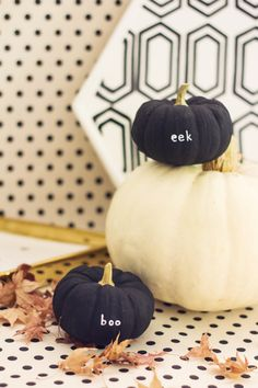 @lovelyindeed's painted message pumpkins are all kinds of cute and another wonderful idea if you don't want to carve pumpkins this year. /ES