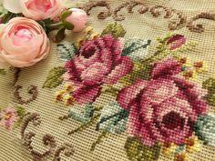 "винтажный 40 ""preworked канва * коттедж потертый розовые розы * скамья чехол ковер"