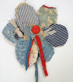 Thread and Thrift: Fabric flowers Hanging Fabric, Fabric Art, Quilting Projects, Sewing Projects, Making Fabric Flowers, Fabric Flower Brooch, Fabric Journals, Old Quilts, Art Textile