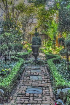 Savannah Courtyard Garden Courtyard Gardens Of Charleston