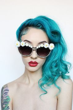 Personal Grunge gift sunglasses floral Daisy blue hair red lips manic panic sale edc pale daisies sunnies blackfriday Natasha Lillipore hertinyteeth her tiny teeth embellished eyewear embellished glasses floralsunnies