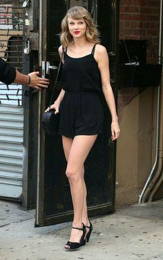 Taylor Swift. Singer & Songwriter ❤💛💖💗💟💙💚💜