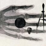 اخترع الألماني فلهم رونتغن أشعة رونتغن ١٨٩٥