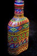 Decorative Bottles : puntillismo -Read More –my ideas Glass Bottle Crafts, Wine Bottle Art, Diy Bottle, Dot Art Painting, Mandala Painting, Mandala Art, Bottles And Jars, Glass Bottles, Painted Bottles