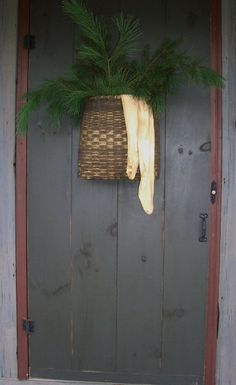 Prim Door...Christmas welcome.