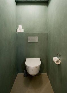 76ed272199f51cf396cc0b67ce09f270 (2) Interior Design Toilet, Bathroom Interior, Interior Decorating, Bathroom Toilets, Bathroom Wall, Small Bathroom, Wardrobe Door Designs, Small Toilet, Tadelakt