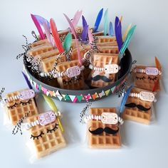 Frosted bags with waffles, sleepy eyes and mustache - Back to School Snacks Für Party, Party Treats, Kids Birthday Treats, Birthday Candy, Waffle Pops, Idee Baby Shower, School Treats, Food Humor, Childrens Party