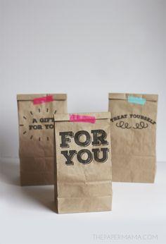 Printable Paper Sack Gift Bags DIY (comes with free printables). More Gift Bags, Gifts Bags, Gifts Ideas, Paper Bags, Bags Diy, Cute Ideas, Sacks Gifts, Gifts Wraps, Free Printable PRINT PAPER BAG. Printable Paper Sack Gift Bags DIY cute ideas