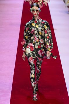 Coming Up Florals by Dolce&Gabanna - florals bigger and bolder than ever