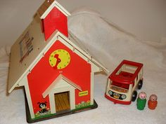 VINTAGE FISHER PRICE 4 PC LOT SCHOOL HOUSE , BUS, 2 KIDS | eBay