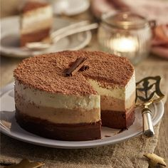 Bizcocho de chocolate con semifrío de tiramisú - Lecturas Chocolate Tiramisu, Tiramisu Cake, Sweet Recipes, Snack Recipes, Snacks, Plum Cake, Cookie Desserts, Sweet And Salty, Cake Cookies