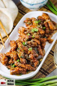 Sweet and Sour Pork is so delicoius. Super crispy pork strips in a dark, tangy, and succulent sauce. Better than any take-out and so good! Pork Recipes, Asian Recipes, Cooking Recipes, Ethnic Recipes, Chinese Recipes, Recipes With Pork Strips, Yummy Recipes, Crispy Pork, Fried Pork