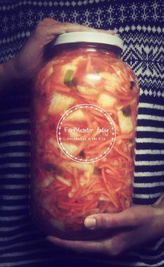 Egyszerű vegán kimchi - lépésről lépésre Vegan Vegetarian, Vegetarian Recipes, Candle Jars, Mason Jars, Kimchi, Ketchup, Preserves, Cucumber, Healthy Living