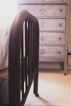 How-to Build a Frame for an Antique Metal Bed and Seal in a Rusty Patina Making A Bed Frame, Diy Bed Frame, Bed Frames, Antique Iron Beds, Antique Metal, Furniture Makeover, Diy Furniture, Restoring Furniture, Blue Furniture