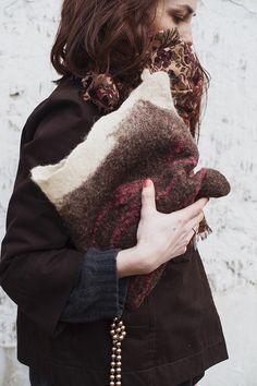 model_ on & on. clutch. bag. woolen accessorize. от LoveMeWoolMe