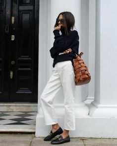 pantalon-costume-blanc-look-veste-en-jean-femme-chic-tenue-top-noir